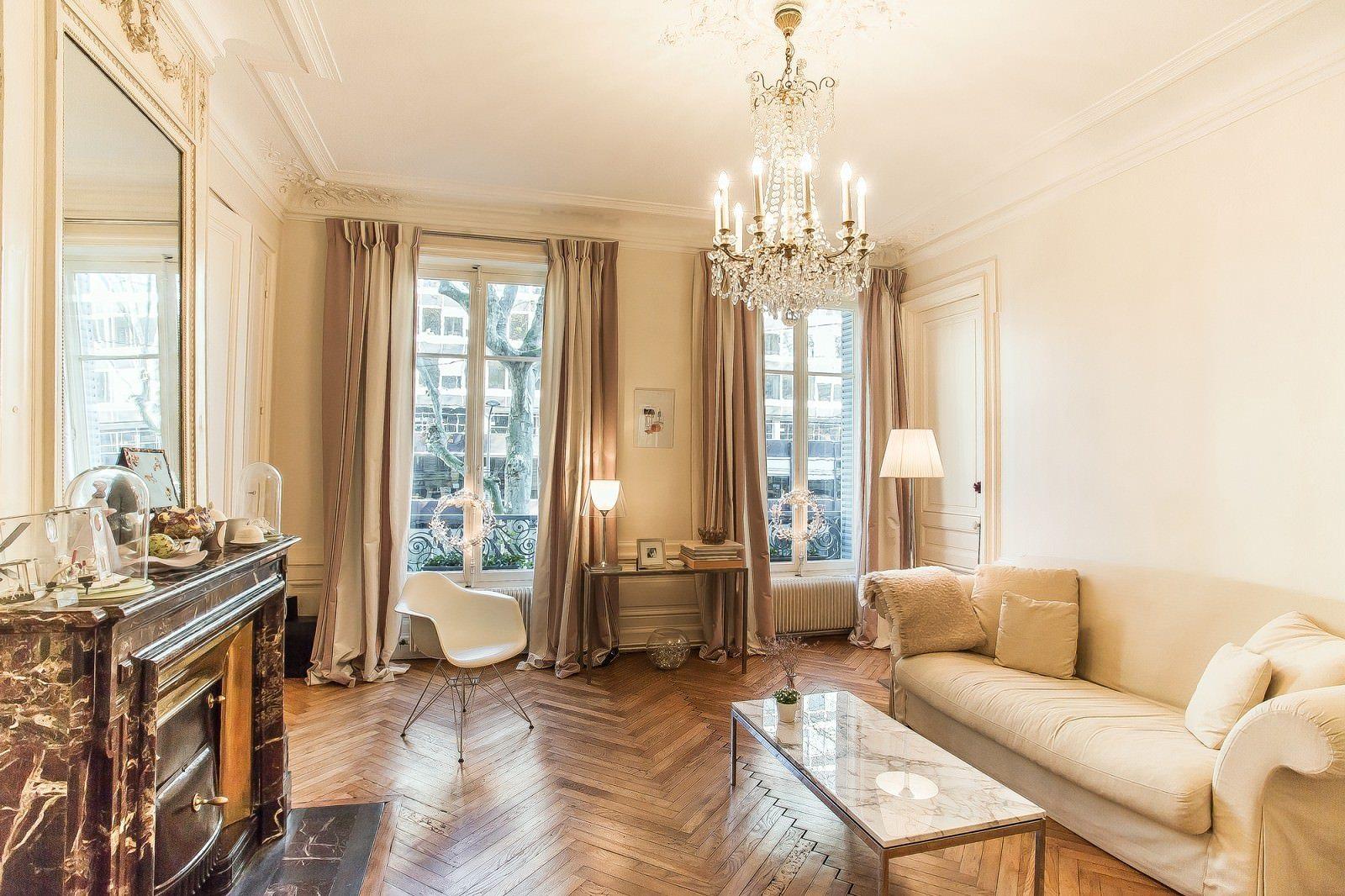 Однокомнатная квартира в стиле прованс с камином