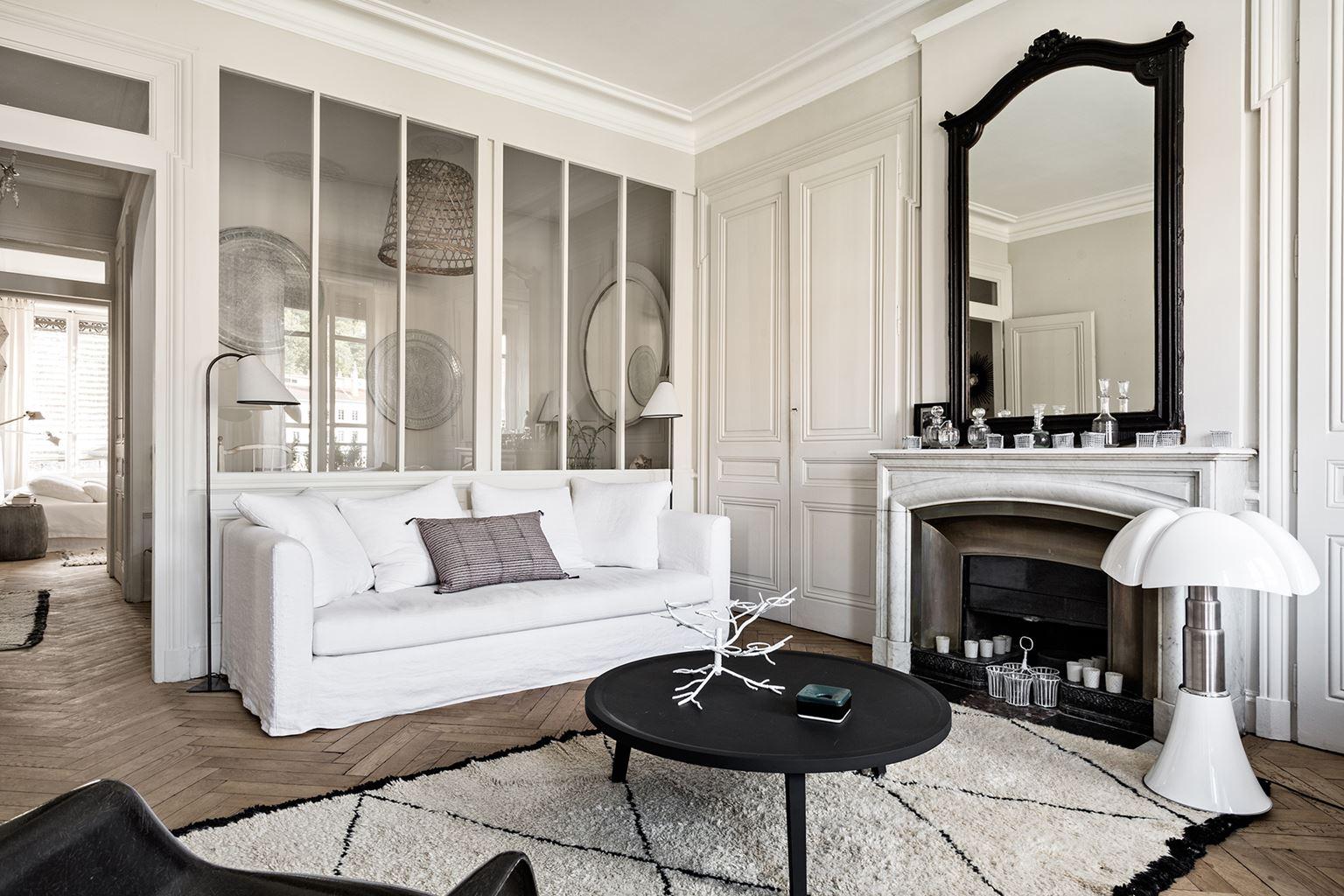 Однокомнатная квартира в стиле прованс монохромная