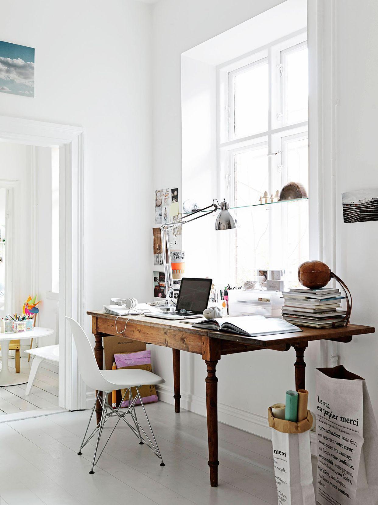 Рабочее место дома в скандинавском стиле