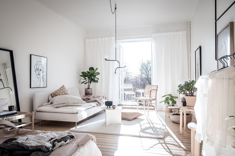 Однокомнатная квартира в скандинавском стиле белая