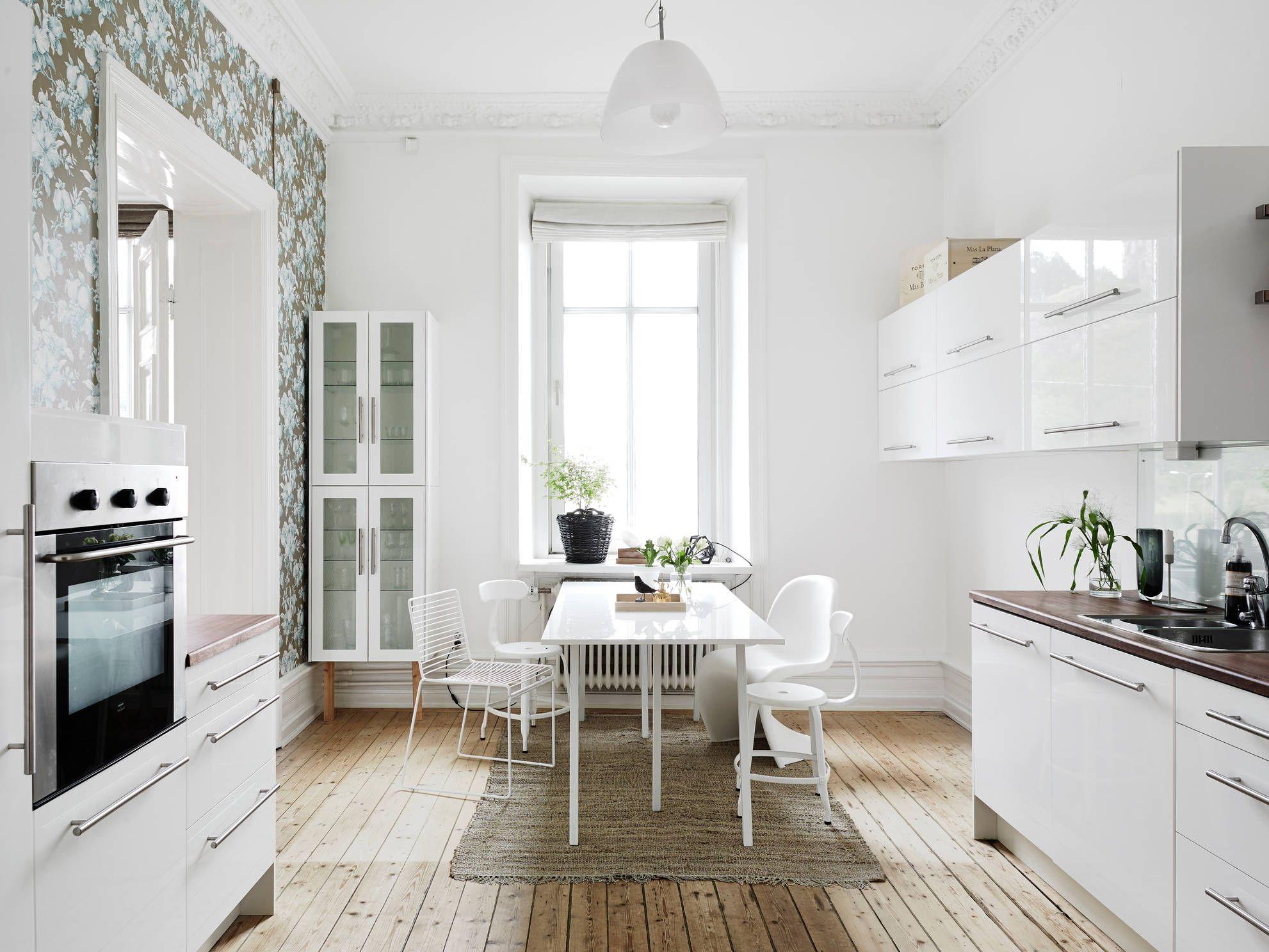 Однокомнатная квартира с полом в скандинавском стиле