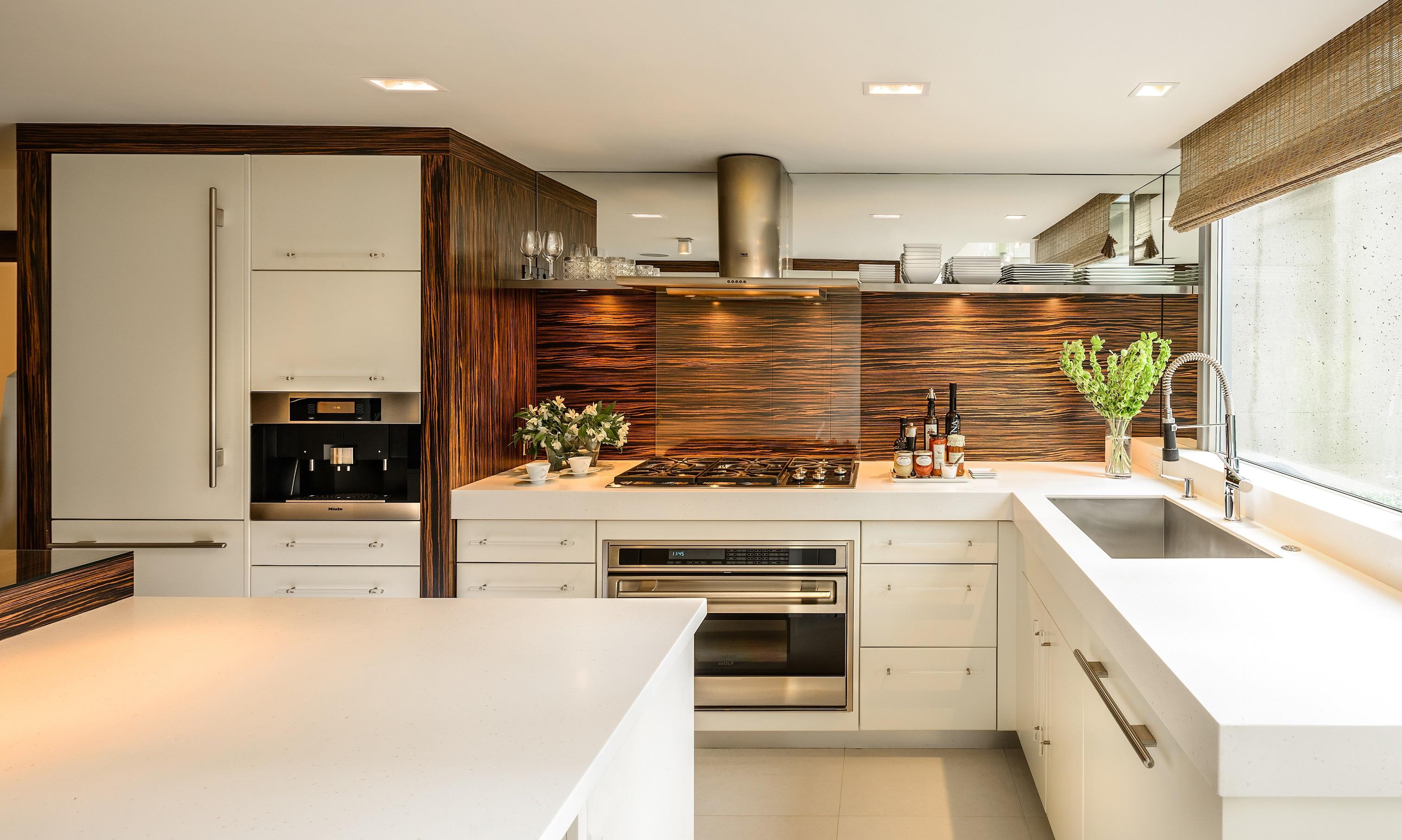 Перепланировка кухни зебрано