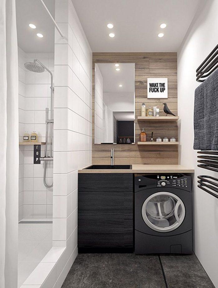 Современный интерьер в маленькой ванной комнате